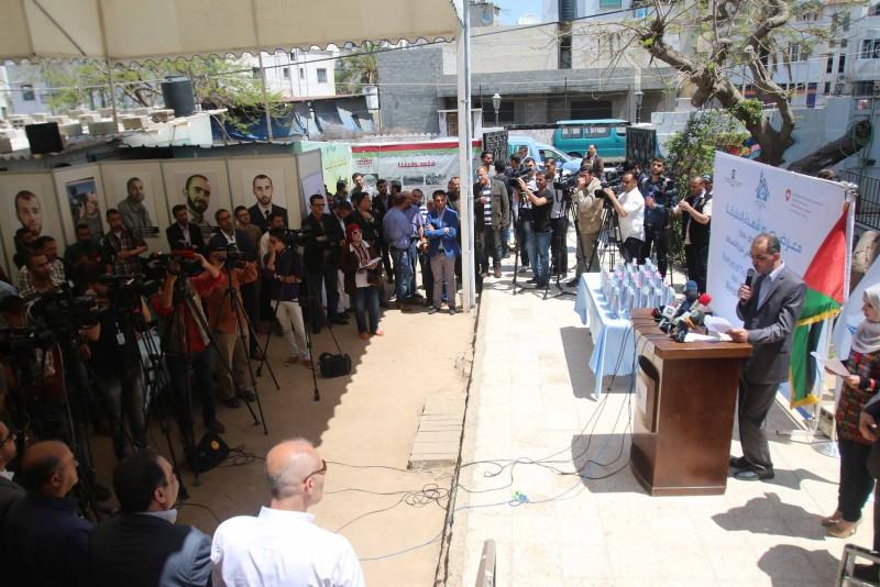 في اليوم العالمي لحرية الصحافة ..بيت الصحافة تفتتح معرض صور شهداء الحقيقة بحضور إعلامي واسع