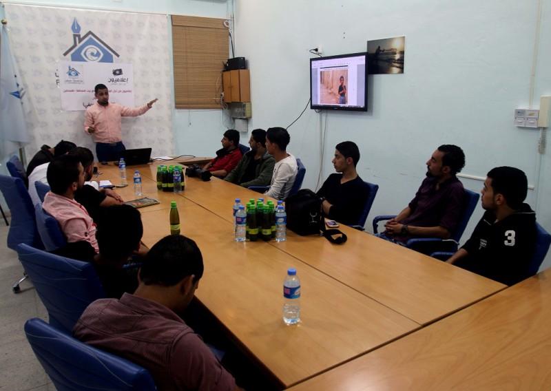 فريق اعلاميون من أجل الوطن ينظم دورة تدريبية ببيت الصحافة