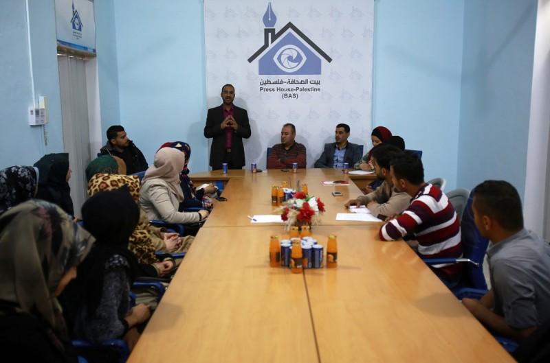برعاية بيت الصحافة: فريق عيون الأمل ينظم ورشة عمل حول الكتابة الصحفية لوكالات الانباء