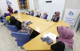 بيت الصحافة ينفذ ورشة توعوية حول سرطان الثدي