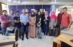 فريق الصحفيين الشباب يزور مكتب شبكة الجزيرة في غزة