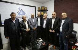 وفد من الهيئة الوطنية للمتقاعدين العسكريين يزور بيت الصحافة