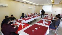 بيت الصحافة يعقد دورة لموظفيه حول الإتيكيت والبروتوكول وفنون التعامل