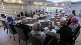 """بيت الصحافة يعقد جلسة نقاش حول """"تعزيز المشاركة السياسية الفاعلة للنساء والشباب في أماكن صنع القرار"""""""
