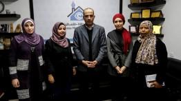 وفد من اللجنة الاعلامية لاتحاد المرأة يزور بيت الصحافة