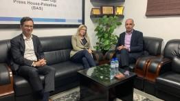 ممثلة كندا في الأراضي الفلسطينية تزور بيت الصحافة