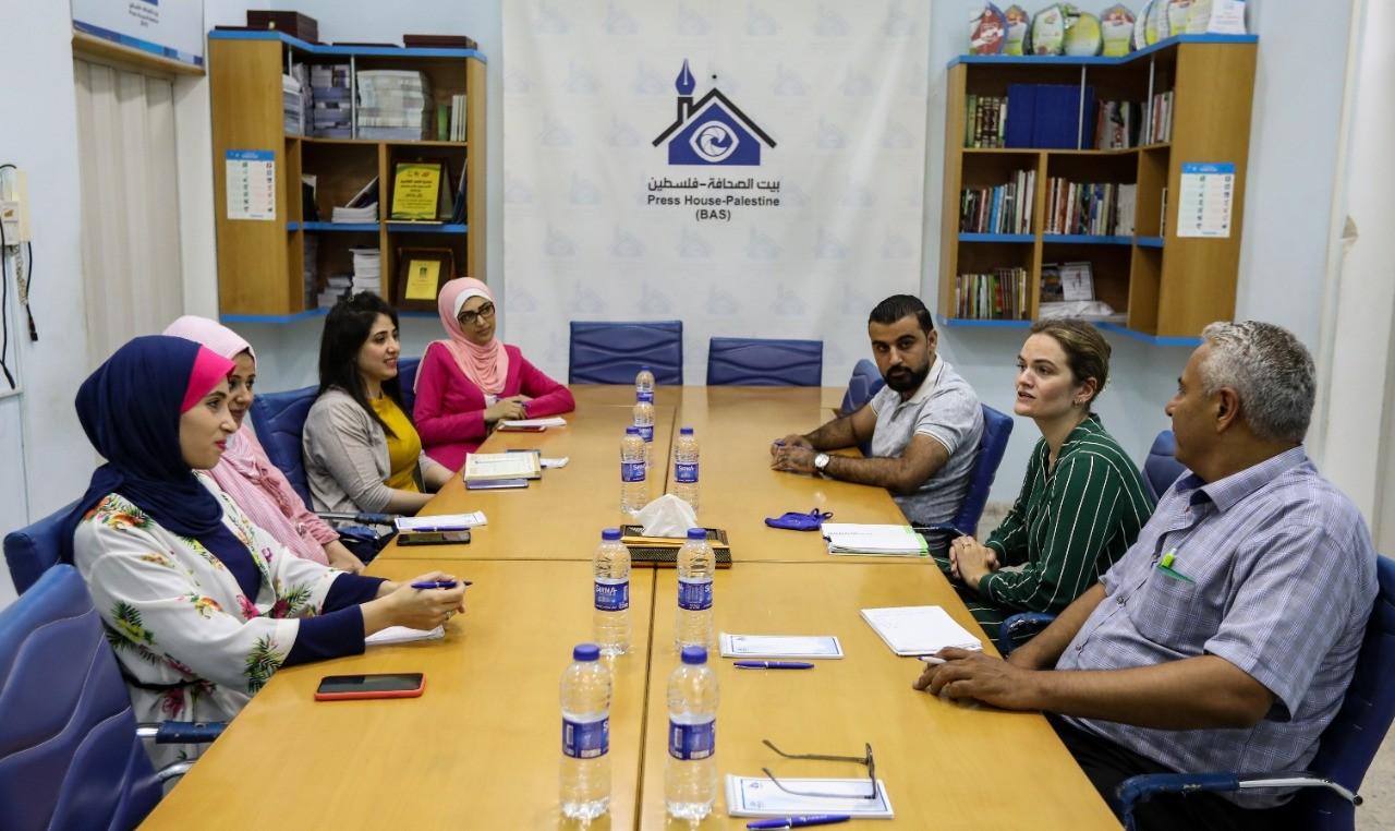 ثيا نيلسين من مكتب الاتحاد الأوروبي تزور بيت الصحافة