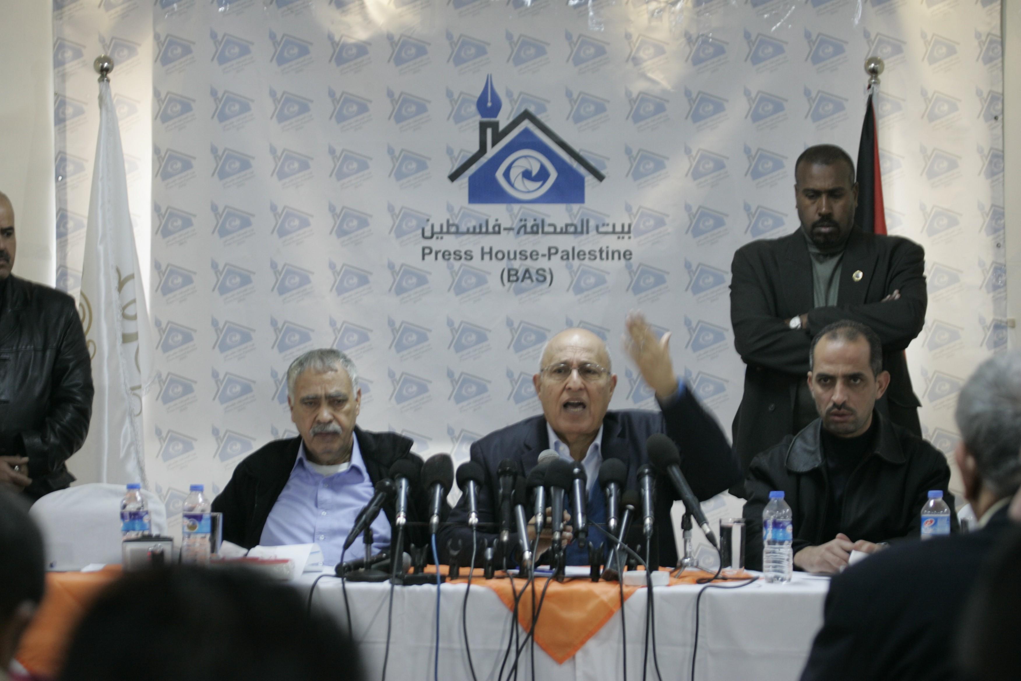 شعث يؤكد قدوم الأحمد لغزة قريبا لوضع اللمسات النهائية لتنفيذ المصالحة