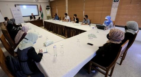 جلسة حوارية حول مستوى وصول العاملين في مجال الصحافة والإعلام للحق في العمل