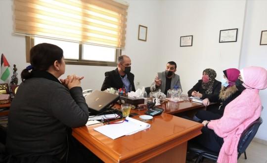 جانب من زيارة بيت الصحافة لمركز الإعلام المجتمعي