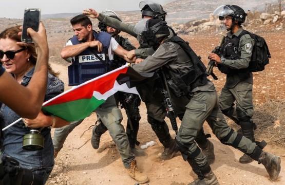 الاعتداءات على الصحفيين في الأراضي الفلسطينية