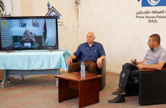 عاطف أبو سيف وزير الثقافة الفلسطيني