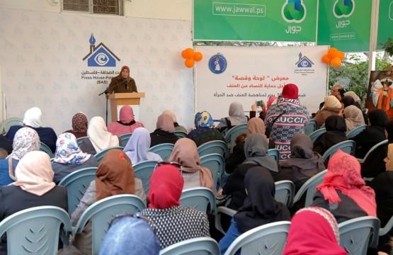 الاتحاد العام للمرأة الفلسطينية بالتعاون مع بيت الصحافة يفتتحان معرض لوحة وقصة
