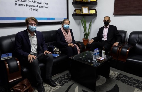 سفيرة النرويج تزور بيت الصحافة في غزة