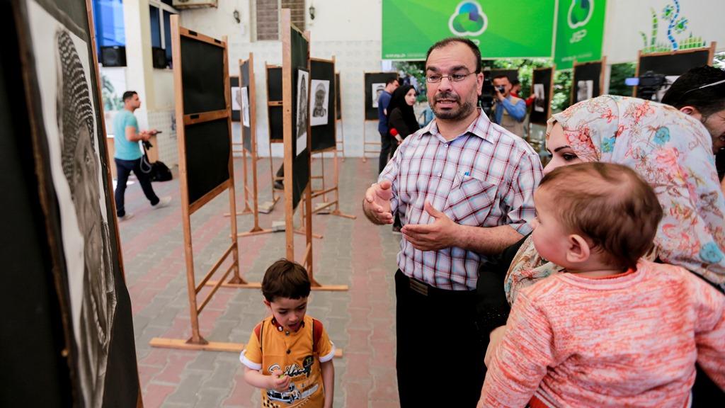 الفتى رضوان ينظم معرضاً فنياً في ذكرى النكبة ببيت الصحافة