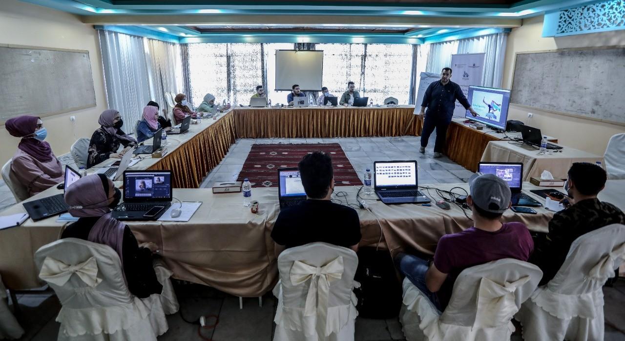 دورة تدريبية بعنوان التصميم والمونتاج في الإعلام الرقمي