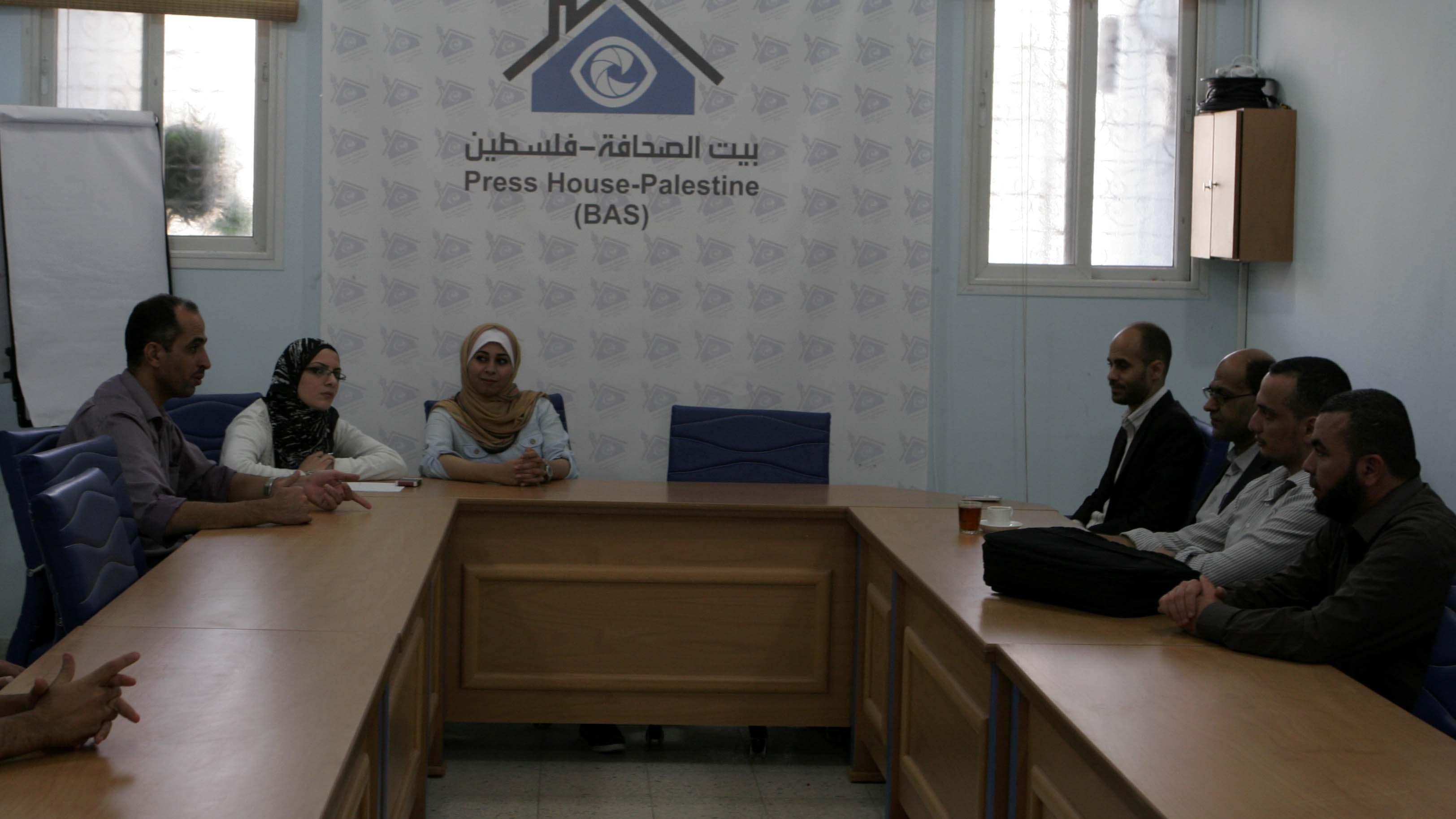 بيت الصحافة يستقبل وفد من الإعلام الحكومي غزة