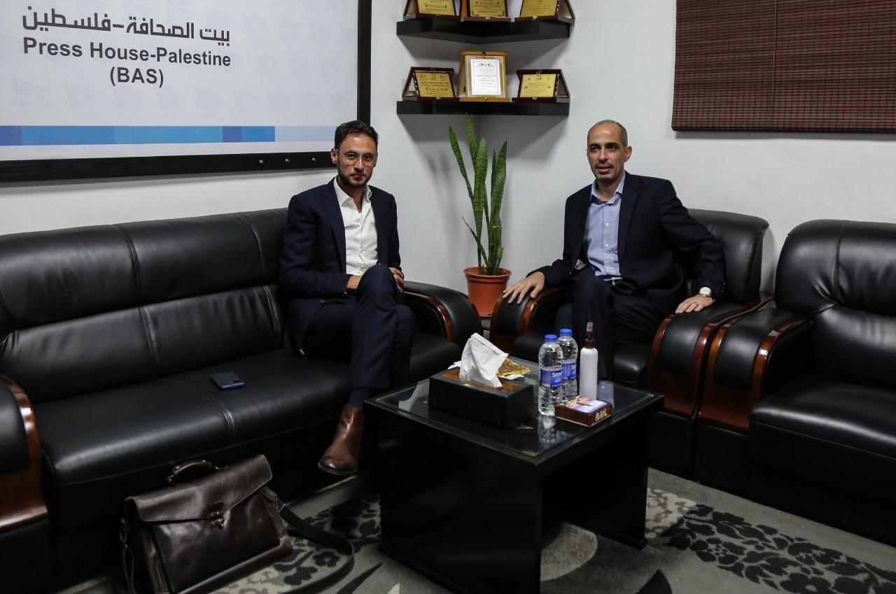 مستشار السفارة البلجيكية في الأراضي الفلسطينية يزور بيت الصحافة