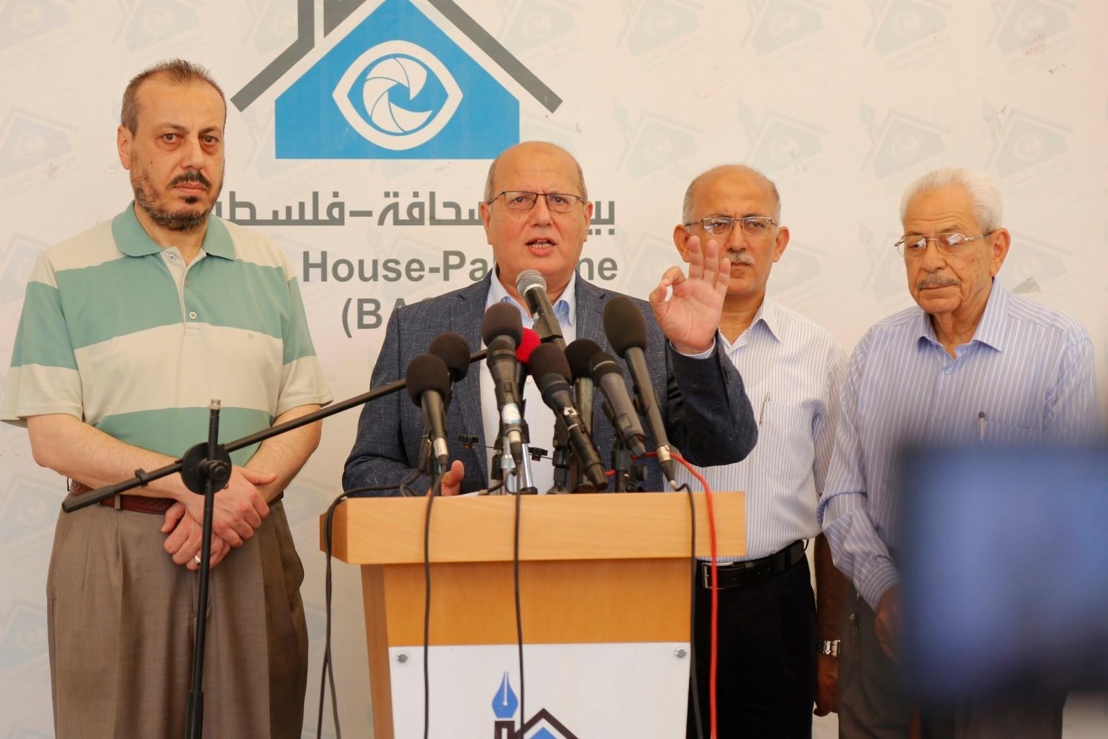 النائب المستقل جمال الخضري رئيس اللجنة الشعبية لمواجهة الحصار